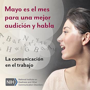 Una foto del perfil de una mujer mientras habla. Hay letras saliendo de su boca y flotando en el aire. El texto dice: La comunicación en el trabajo.