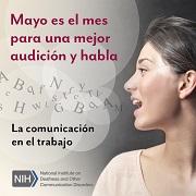 """Foto de la cara de una mujer mientras habla, con letras que flotan de su boca hacia el aire. El texto dice: """"La comunicación en el trabajo""""."""